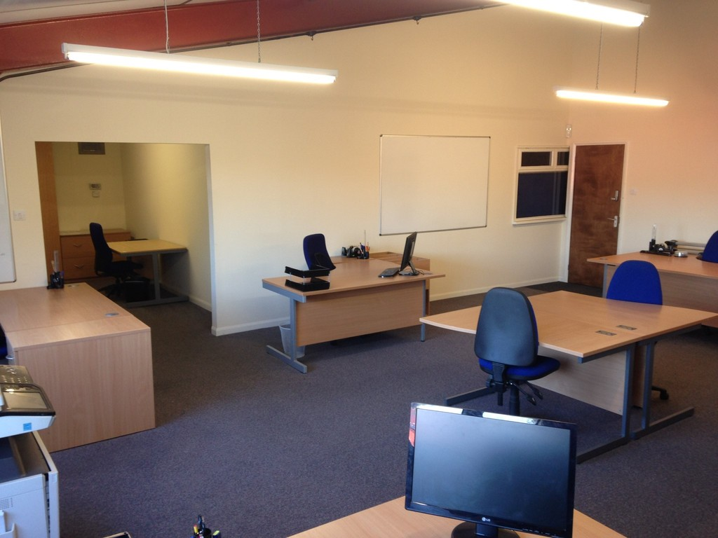 TO LET -  Oaklands Business Centre, Whitchurch, HR9 6BX  -