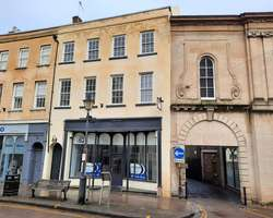 TO LET - SERVICED OFFICES 6 High Street, Ross on Wye HR9 5HL